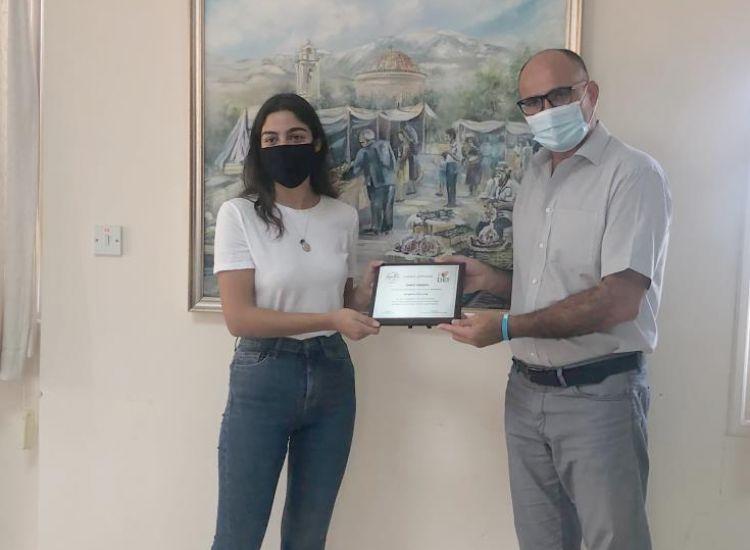 Ο Δήμος Δερύνειας τίμησε μαθήτριες δημότες του που διακρίθηκαν σε διαγωνισμούς
