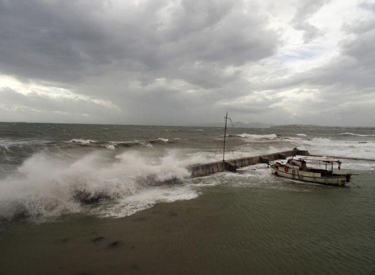 Έκτακτη προειδοποίηση για σφοδρούς ανέμους μέχρι επτά μποφόρ