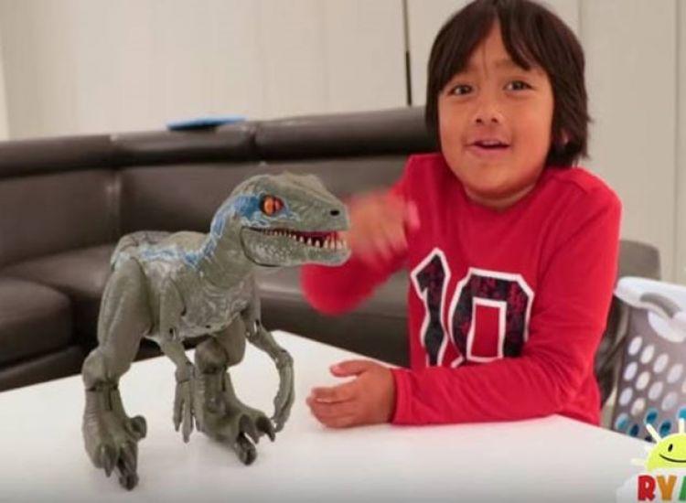 Παιδί θαύμα: Επτάχρονος YouTuber έβγαλε 19,3 εκατομμύρια ευρώ σε έναν χρόνο